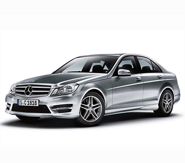 Punto de recarga Mercedes Clase C híbrido enchufable