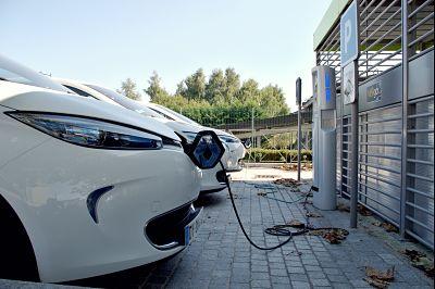 Aumentan los turismos eléctricos en España