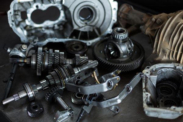 Cambio de piezas de coche en el proceso de retrofit